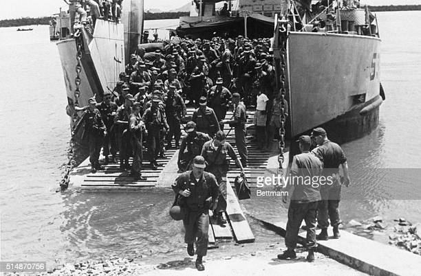 5/1/1965Vung Tau South Vietnam Advance elements of newly assigned air mobile companies land at Vung Tau seaport Photo shows the first contingent of...