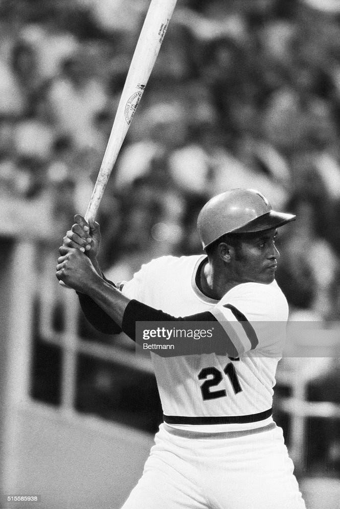 Pittsburgh Pirates player <a gi-track='captionPersonalityLinkClicked' href=/galleries/search?phrase=Roberto+Clemente&family=editorial&specificpeople=206918 ng-click='$event.stopPropagation()'>Roberto Clemente</a>, closeup, at bat, in a game against the Montreal Expos.