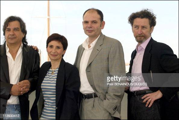 55th Cannes film festival Photo call of 'MarieJoe et ses deux amours' In Cannes France On May 16 2002Gerard Meylan Ariane Ascaride JeanPierre...