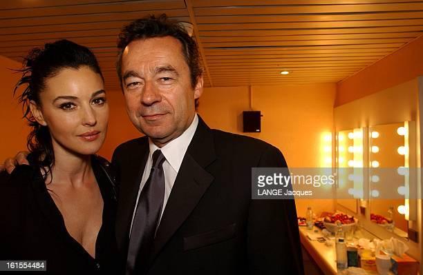 Behind The Scenes Of The Closing Ceremony Après la cérémonie Michel DENISOT vient féliciter Monica BELLUCCI dans sa loge