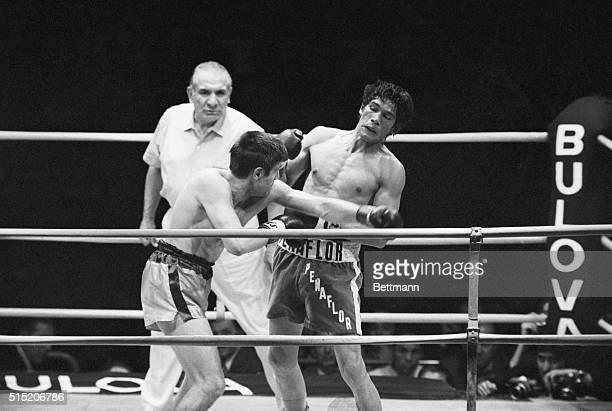 5/7/1971Monte Carlo MonacoNino Benvenuti and Carlos Monzon exchange hard blows during thier World Middleweight Championship fight at Monaco Stadium...