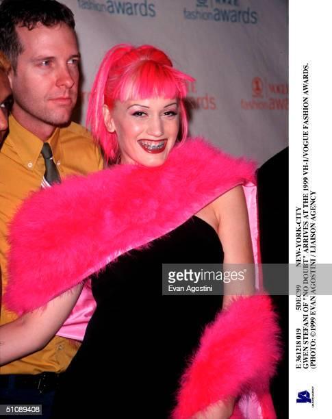 E 361218 019 5Dec99 NewYorkCity Gwen Stefani Of 'No Doubt' Arrives At The 1999 Vh1/Vogue Fashion Awards