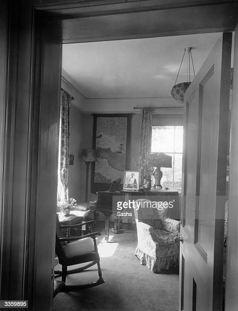 Sitting room at the home of film actor Percy Marmont who is in 'Sir or Madam' a Warner Brother's production