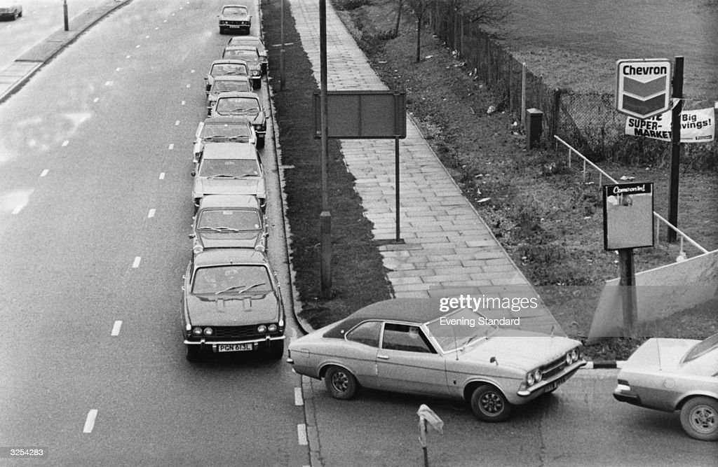 Cars queuing for fuel during the petrol crisis of 1973.
