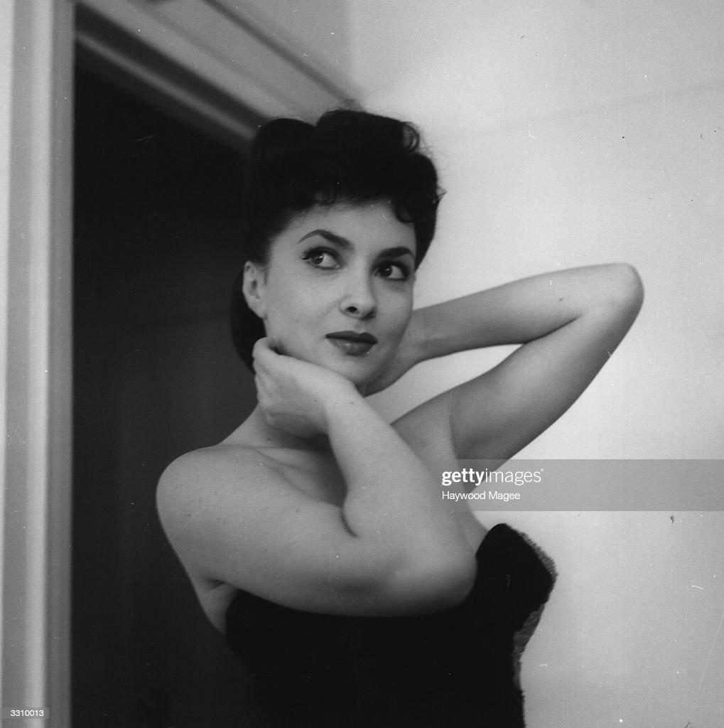 Italian actress Gina Lollobrigida in London for the first Italian film festival. Original Publication: Picture Post - 5952 - Stars Bring Fashion From Rome - pub. 1952