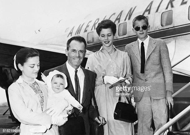 6/13/1954New York NYTheatrical and movie star Henry Fonda is surrounded by his family as he and they prepare to board an American Airlines plane for...