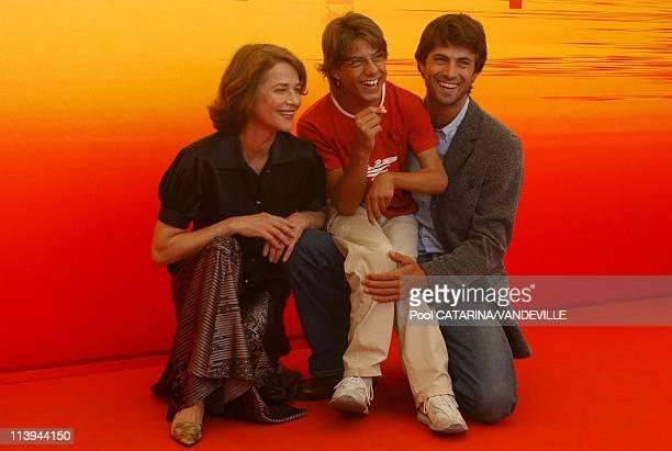 61st Venice Film Festival Photo call of 'Le Chiavi di Casa' In Venice Italy On September 09 2004Left to right Charlotte Rampling Andrea Roddi Kim...
