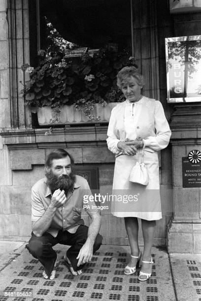 A 69yj birthday treat for Mrs Blanche Roberts outside a Bayswater hotel when her son Richard Knight had given a press conference Mother and son were...