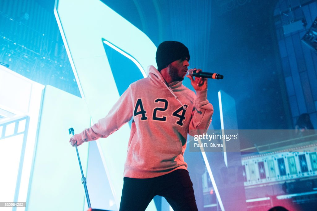 6lack performs on stage at Spotify's RapCaviar Live at The Tabernacle on August 12, 2017 in Atlanta, Georgia.