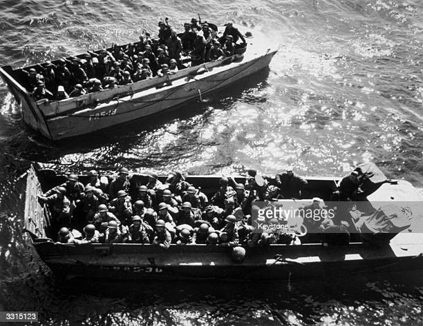 US troops in landing craft during the DDay landings