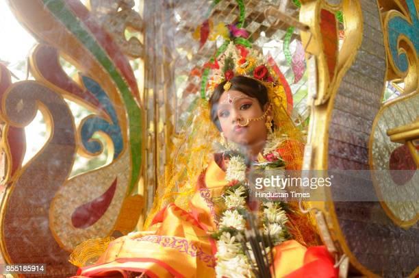 6yearold Anushka Chatterjee as Kumari Devi during Kumari Puja at Shura Jubak Brinda on September 28 2017 in Kolkata India Kumari Puja a special...