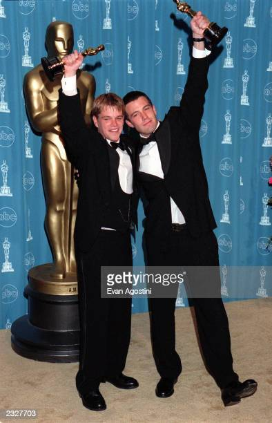 ANGELES CALIFORNIA 70th ANNUAL ACADEMY AWARDS AT THE SHRINE AUDITORIUM Pressroom Matt Damon Ben Affleck Photo Evan Agostini/ImageDirect