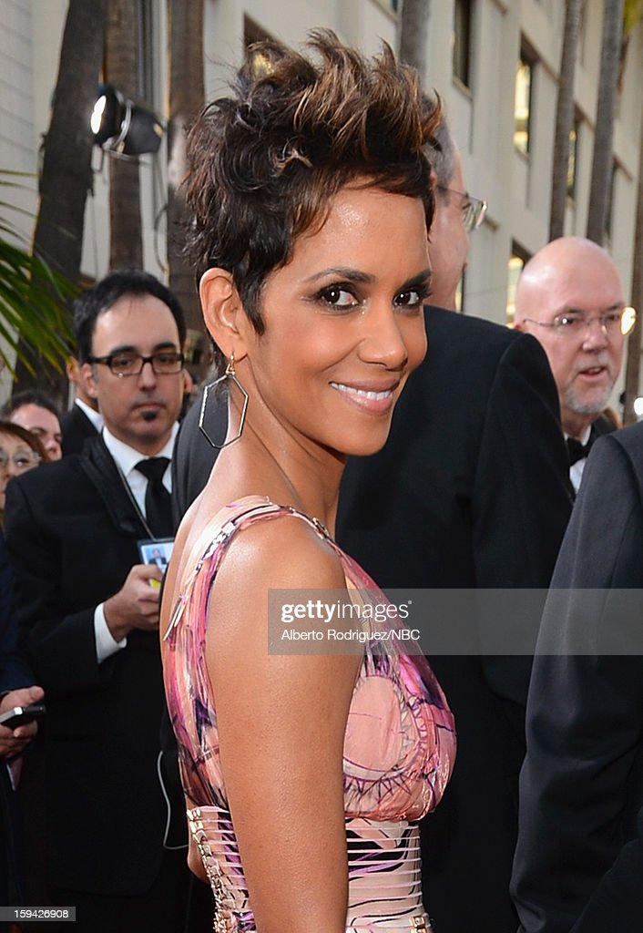70th ANNUAL GOLDEN GLOBE AWARDS -- Pictured: Actress <a gi-track='captionPersonalityLinkClicked' href=/galleries/search?phrase=Halle+Berry&family=editorial&specificpeople=201726 ng-click='$event.stopPropagation()'>Halle Berry</a> arrives to the 70th Annual Golden Globe Awards held at the Beverly Hilton Hotel on January 13, 2013.