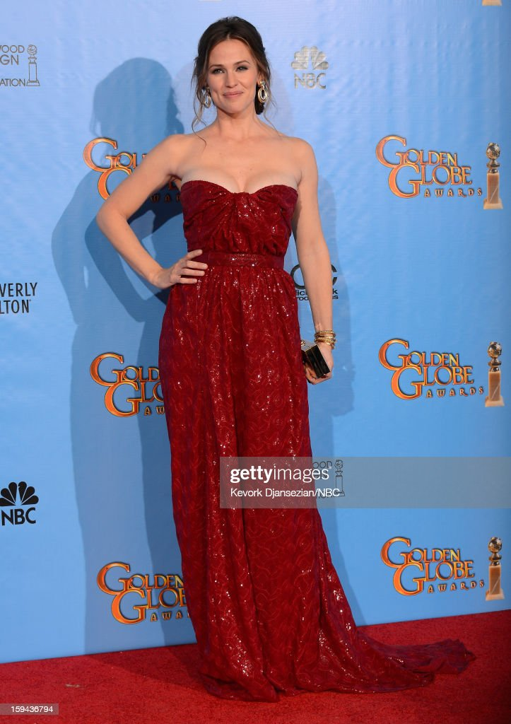 70th ANNUAL GOLDEN GLOBE AWARDS -- Pictured: Presenter <a gi-track='captionPersonalityLinkClicked' href=/galleries/search?phrase=Jennifer+Garner&family=editorial&specificpeople=201813 ng-click='$event.stopPropagation()'>Jennifer Garner</a> poses in the press room at the 70th Annual Golden Globe Awards held at the Beverly Hilton Hotel on January 13, 2013.