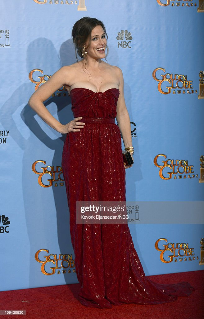 70th ANNUAL GOLDEN GLOBE AWARDS -- Pictured: Presenter Jennifer Garner poses in the press room at the 70th Annual Golden Globe Awards held at the Beverly Hilton Hotel on January 13, 2013.