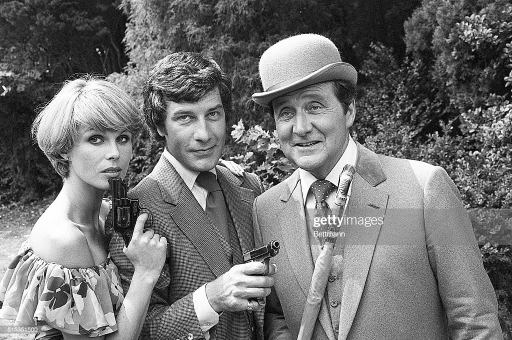 7/27/1976Pinewood England Following a pause of more than six years the popular British television series 'The Avengers' is once again in production...