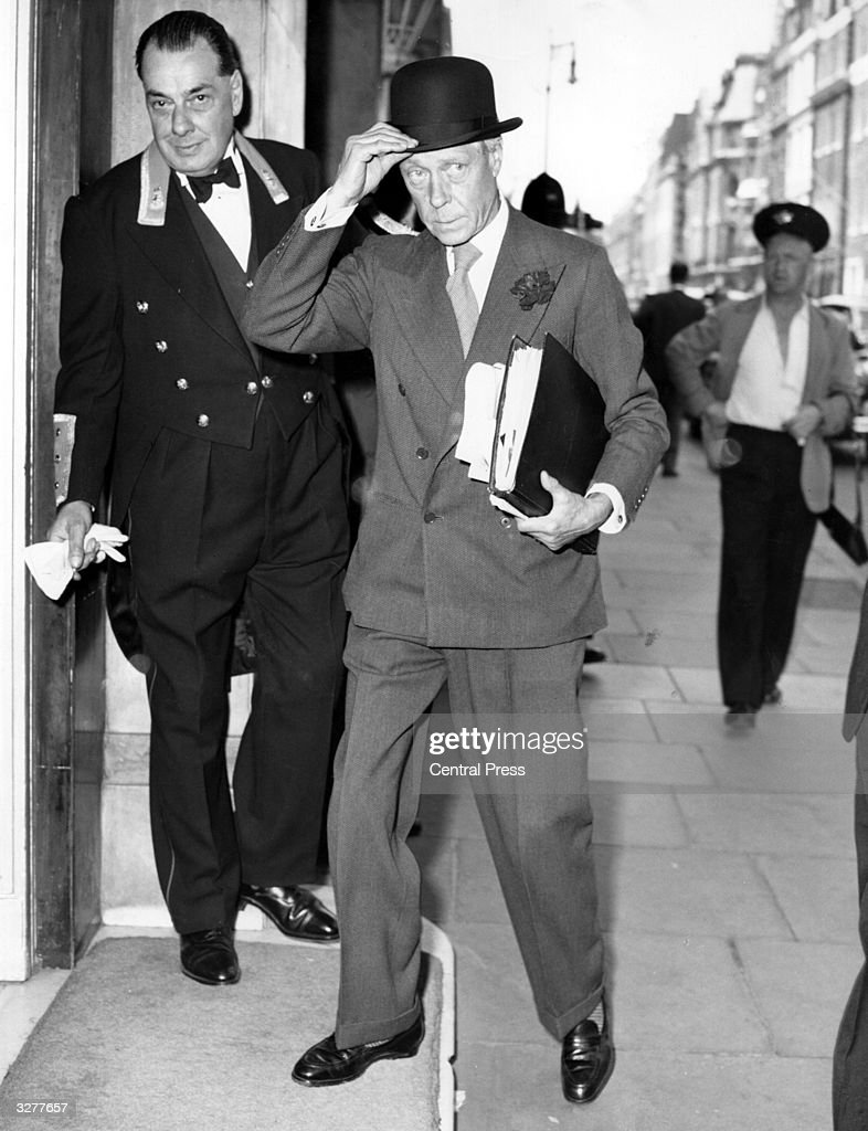 The Duke of Windsor (1894 - 1972) returns to his hotel after a visit to his London tailor.