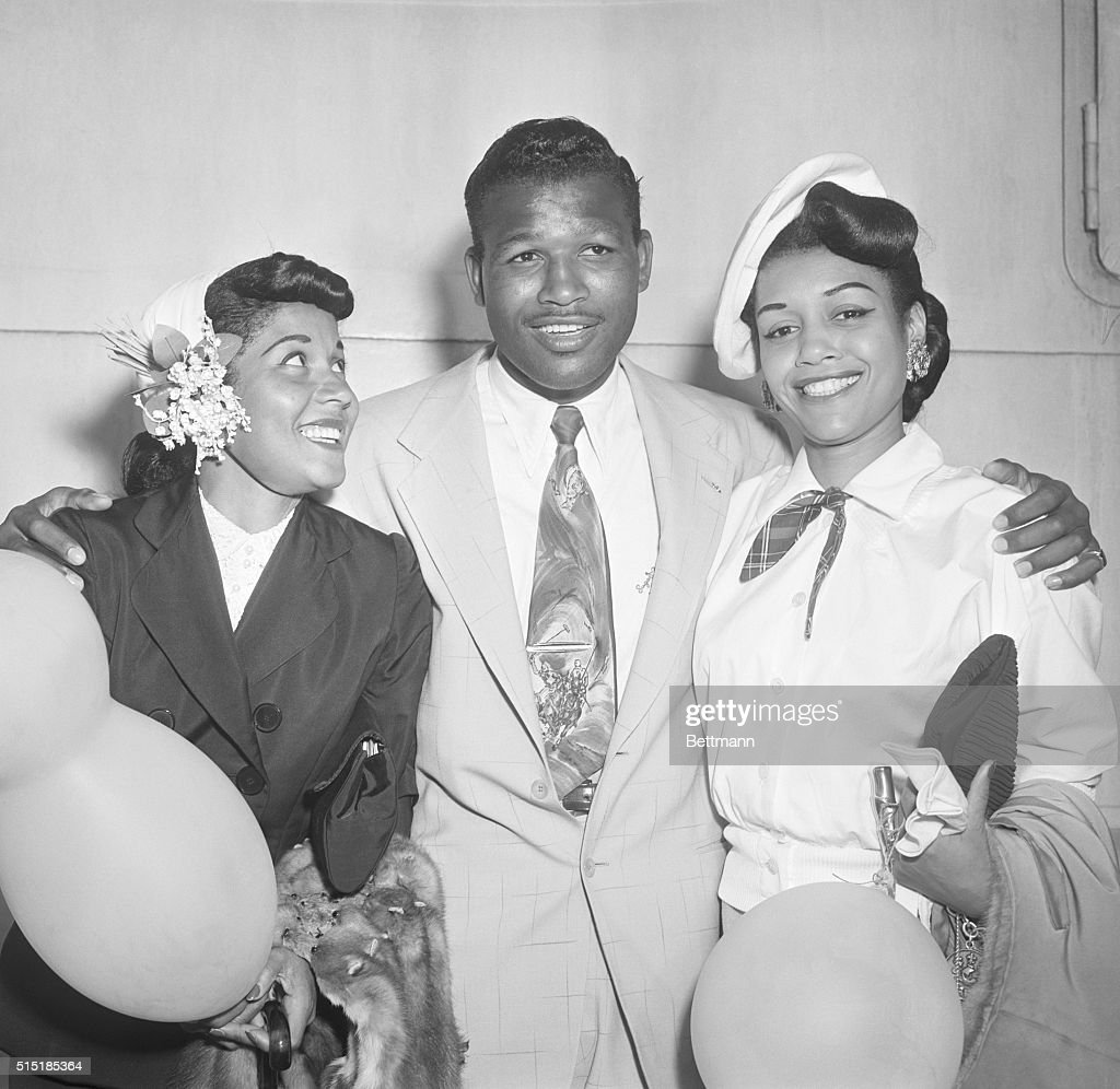 8/2/1951New York NY Middleweight boxer Sugar Ray Robinson who recently lost the championship to British fighter Randy Turpin arrives aboard the S S...