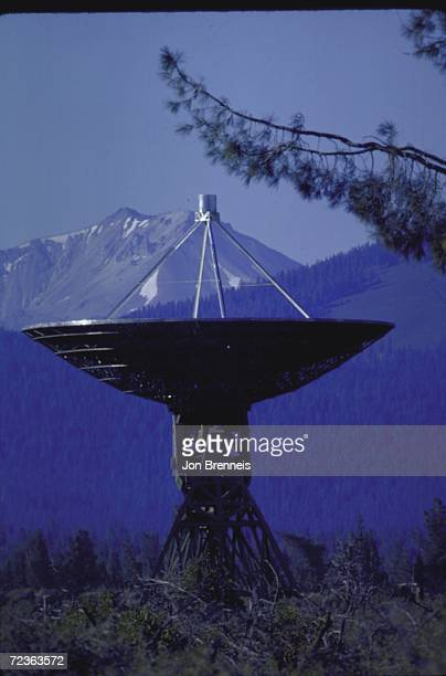 85ft dish of radio telescope located high in the mountains near volvano used to study hydrogen in the Milky way