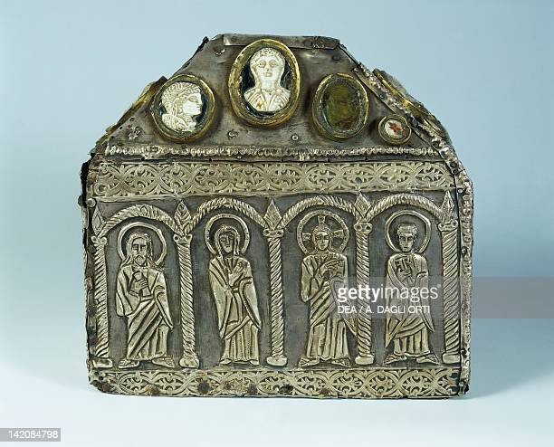 8th century embossed gilt silver reliquary set with gemstones vitreous paste and cameos Goldsmith's art Longobard civilization