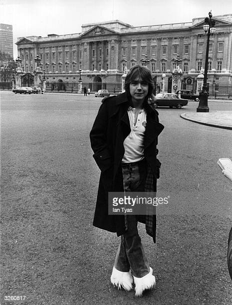 American pop singer hearthrob and actor David Cassidy outside Buckingham Palace