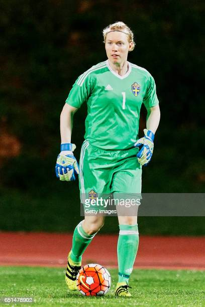 Hedvig Lindahl of Sweden Women during the match between Sweden v Russia Women's Algarve Cup on March 8th 2017 in Albufeira Portugal