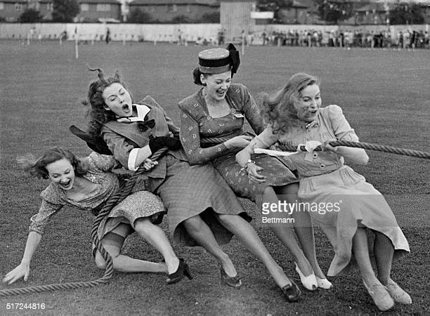9/10/1947London England Pride at winning commeth before the fall for these four movie actresses of the J Arthur Rank orginization They won the...