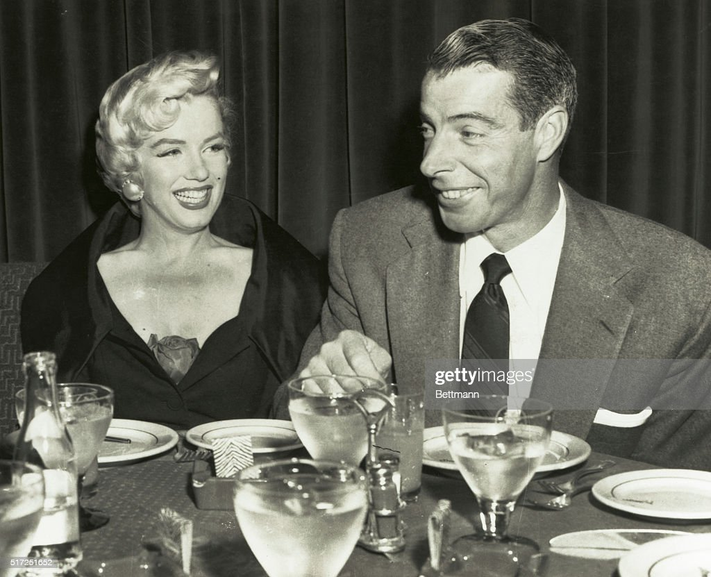 Joe Dimaggio and <a gi-track='captionPersonalityLinkClicked' href=/galleries/search?phrase=Marilyn+Monroe&family=editorial&specificpeople=70021 ng-click='$event.stopPropagation()'>Marilyn Monroe</a> at El Morocco night club.