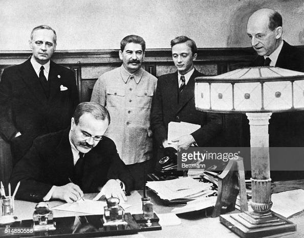 9/28/1939Signing of German Soviet treaty of friendship and determination of the frontier between the USSR and Germany on 9/28/1939 Shown are M...