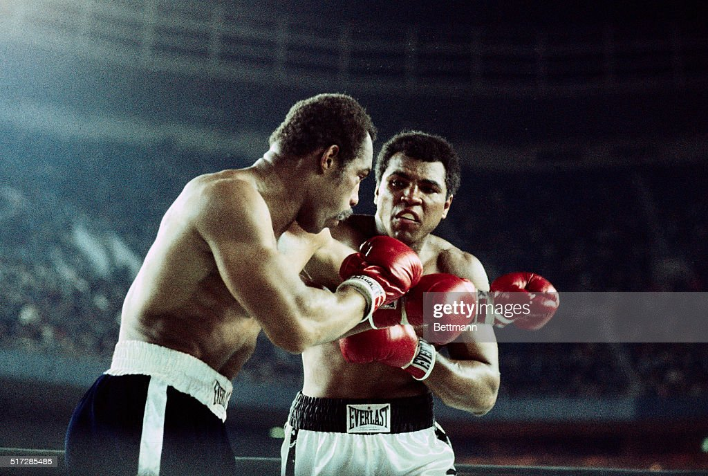 Full length view of the boxing action in the <a gi-track='captionPersonalityLinkClicked' href=/galleries/search?phrase=Muhammad+Ali+-+Boxer+-+Born+1942&family=editorial&specificpeople=93853 ng-click='$event.stopPropagation()'>Muhammad Ali</a>-Ken Norton Heavyweight Championship title bout. UPI color slide.