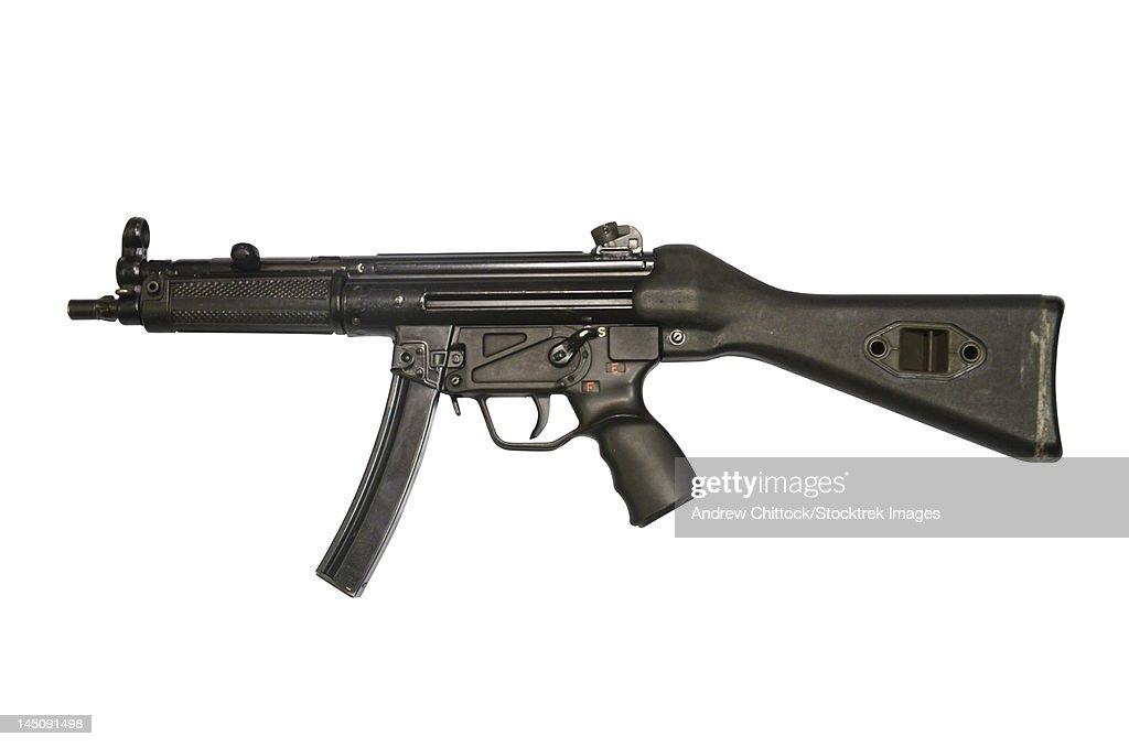 9mm submachine gun.
