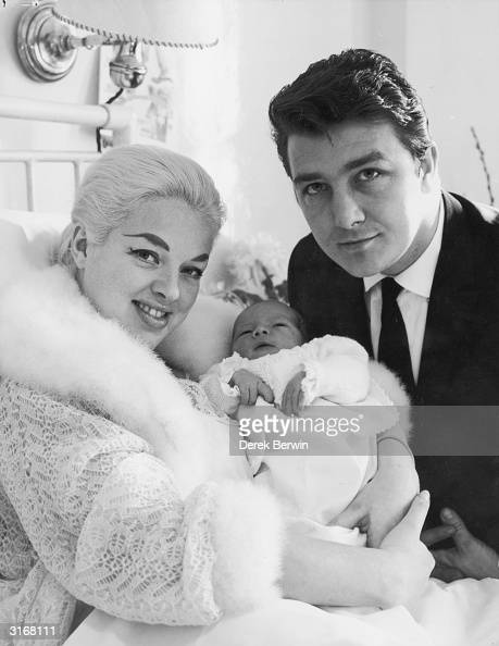 glamorous mum pictures getty images