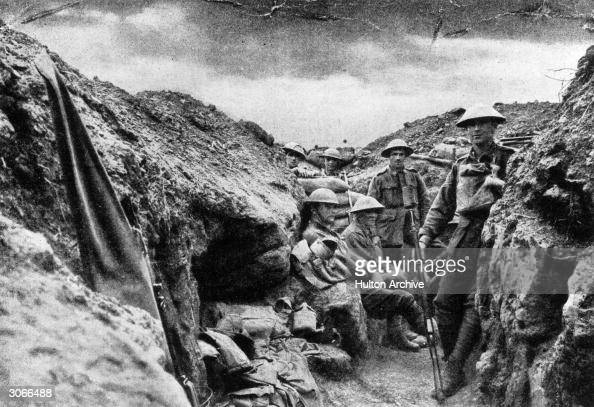 Infantry of the 15th Brigade in a bombstep close to the enemy line near Morlancourt