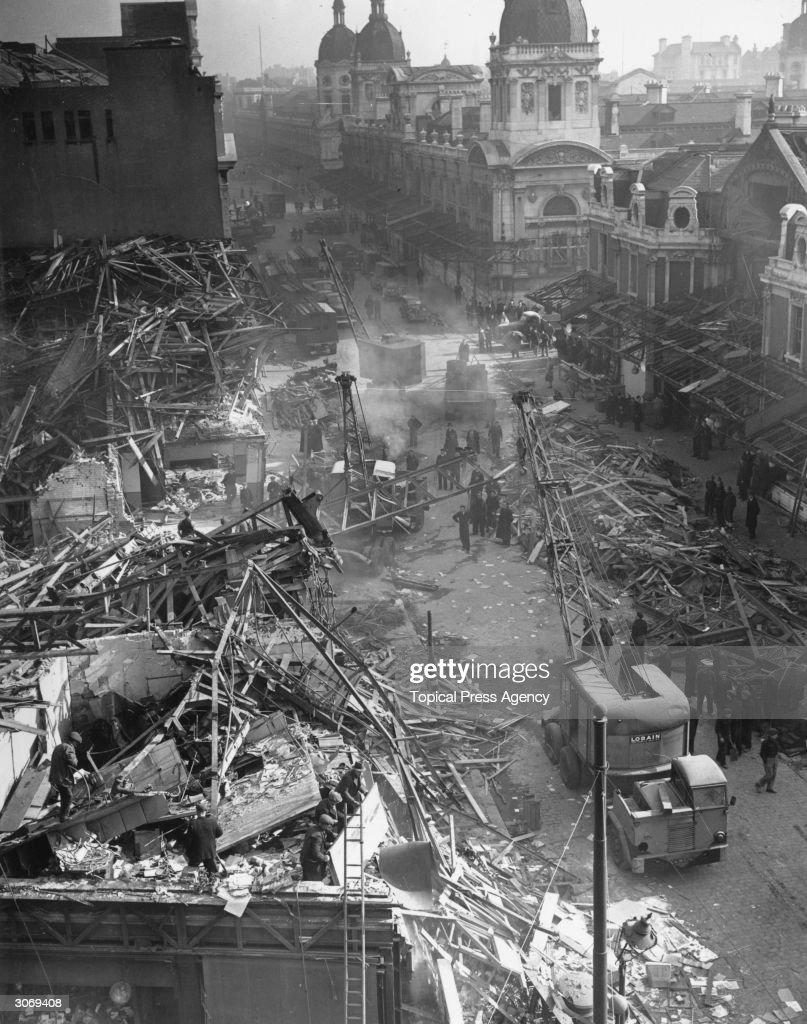 Farringdon St Market, London the day after a V-2 rocket landed killing 380 people.