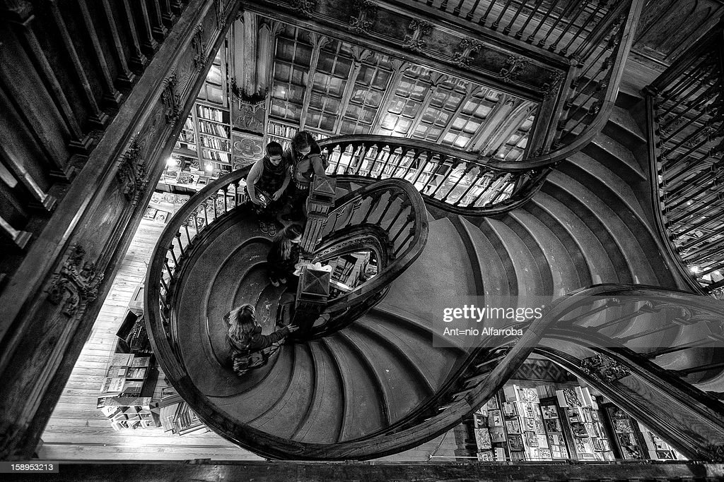 CONTENT] a beautiful round staircase