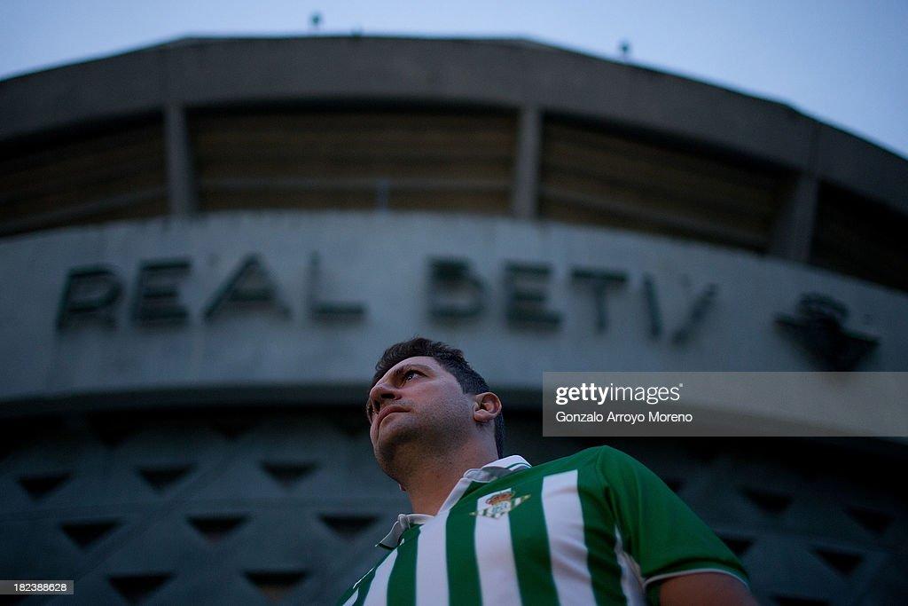a Real Betis Balompie fan at Estadio Benito Villamarin outdoors prior to start the La Liga match between Real Betis Balompie and Villarreal CF on...