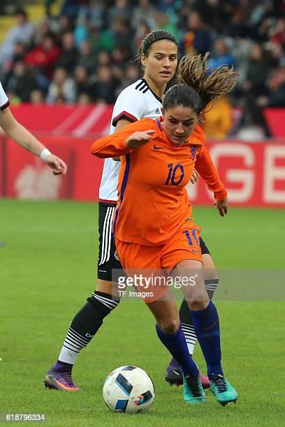 Aalen GERMANY Deutschland Test Laenderspiel Frauen Deutschland vs Niederlande Danielle van de Donk Dzsenifer Marozsan'n