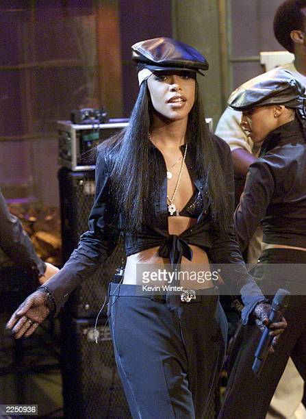 Aaliyah at 'The Tonight Show with Jay Leno' at the NBC Studios in Burbank Ca 7/25/01 Photo by Kevin Winter/Getty Images