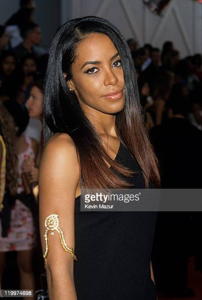 Aaliyah attends the 2000 MTV Movie Awards at Sony Studios on June 3 2000 in Culver City California