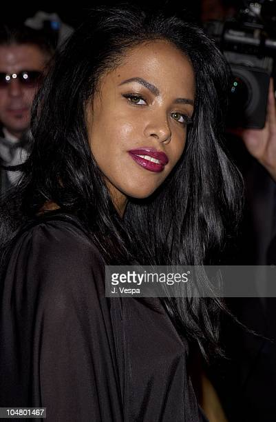 Aaliyah during 2001 Vanity Fair Oscar Party Arrivals at Morton's Restaurant in Beverly Hills California United States