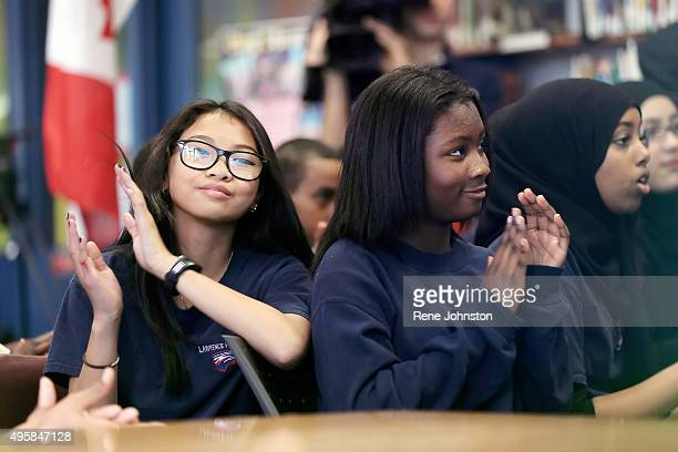Aaliyah Fermil13 and Queenisha Oppong clap after Trudeau signs off Fresh Prime Minister Trudeau took a moment out of a very busy first day as PM to...