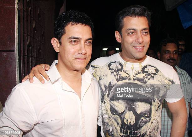 Aamir Khan and Salman Khan at the special preview of the film 'Dabaang' in Mumbai on September 6 2010