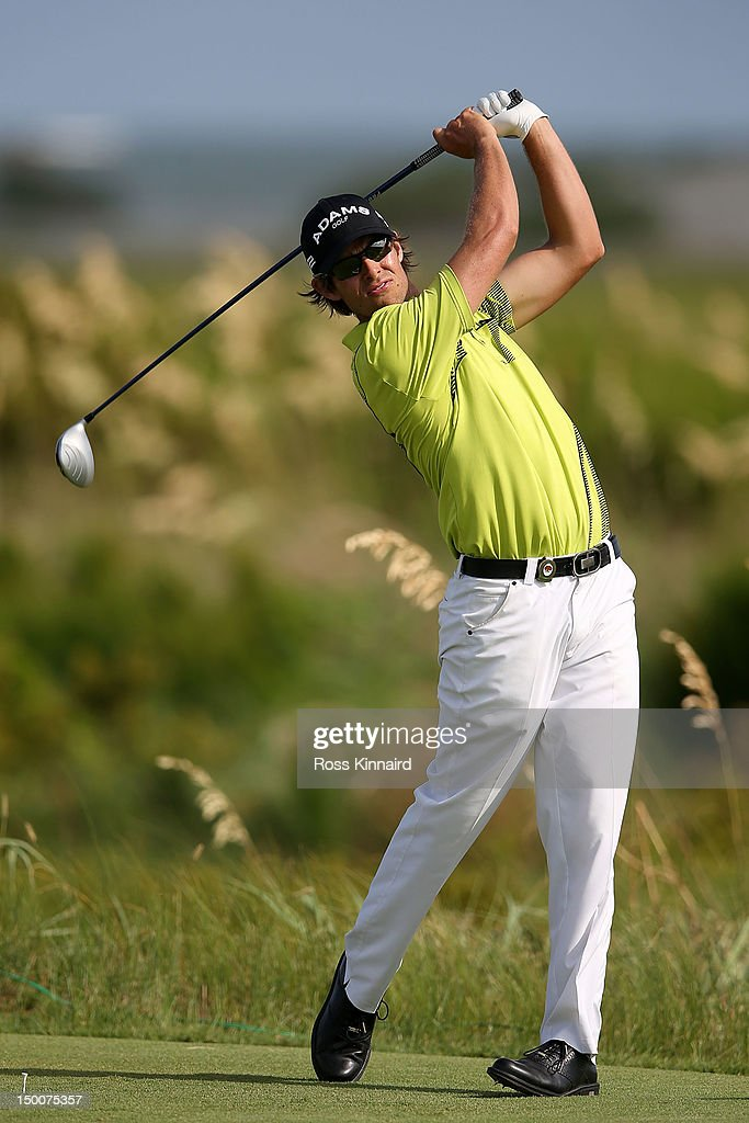<a gi-track='captionPersonalityLinkClicked' href=/galleries/search?phrase=Aaron+Baddeley&family=editorial&specificpeople=214226 ng-click='$event.stopPropagation()'>Aaron Baddeley</a> hits off the sixth tee during Round One of the 94th PGA Championship at the Ocean Course on August 9, 2012 in Kiawah Island, South Carolina.