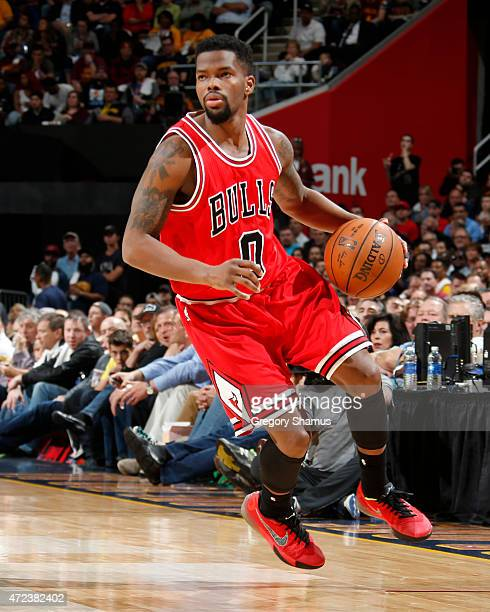 Aaron Brooks of the Chicago Bulls drives to the basket against the Cleveland Cavaliers during Game Two of the Eastern Conference Semifinals during...