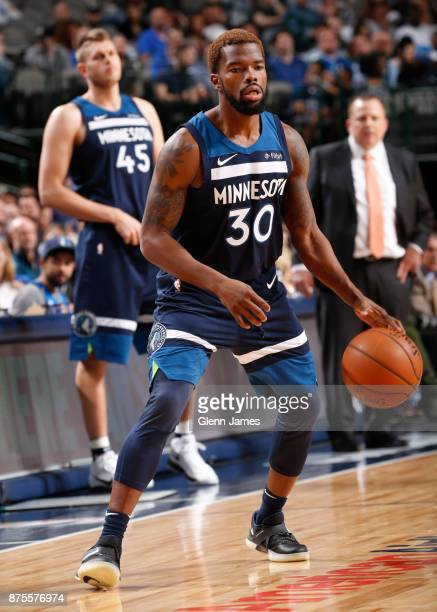 Aaron Brooks of the Minnesota Timberwolves handles the ball against the Dallas Mavericks on November 17 2017 at the American Airlines Center in...
