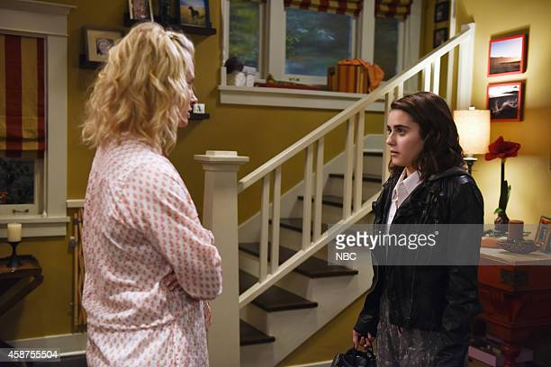 PARENTHOOD 'Aaron Brownstein Must Be Stopped' Episode 608 Pictured Monica Potter as Kristina Braverman Ally Ioannides as Dylan Jones