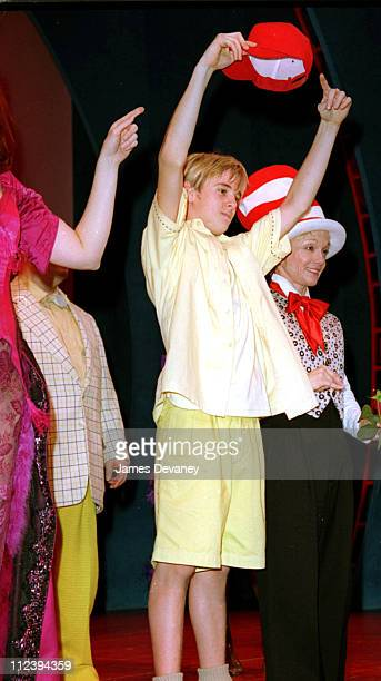 Aaron Carter as Jo Jo The Who with Cathy Rigby as The Cat In The Hat and fellow cast members