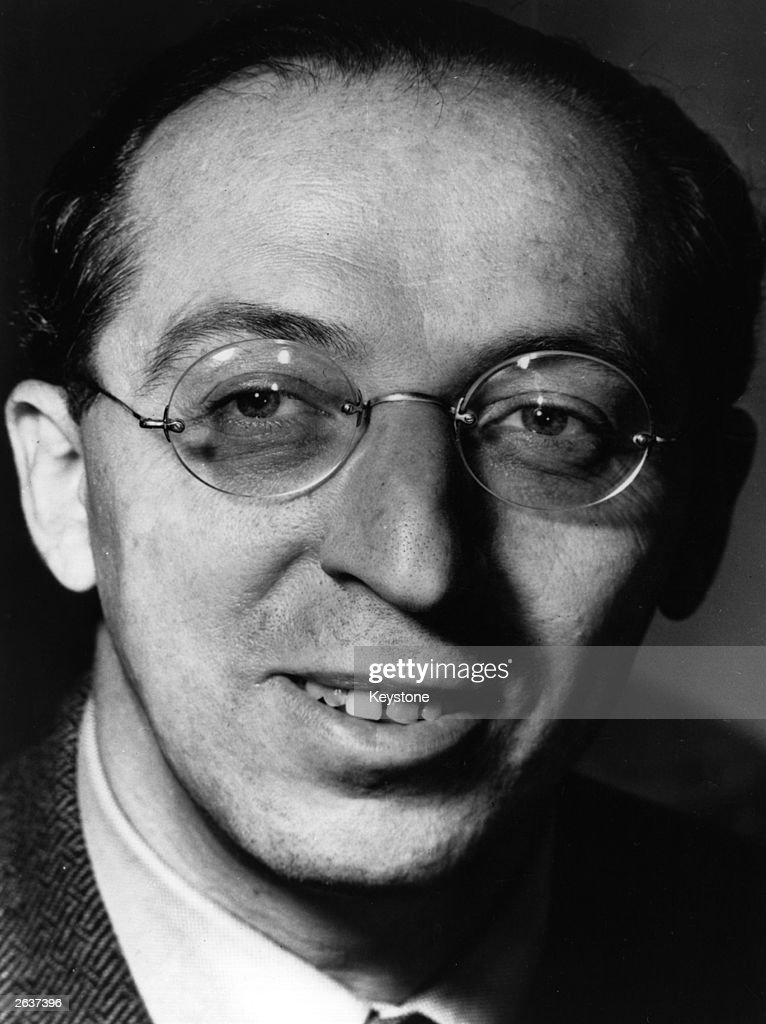 aaron copland Copland and the shakers aaron copland's arrangement of the shaker dance song,simple gifts, has become known around the world chiefly through its use in the martha graham ballet, appalachian spring.