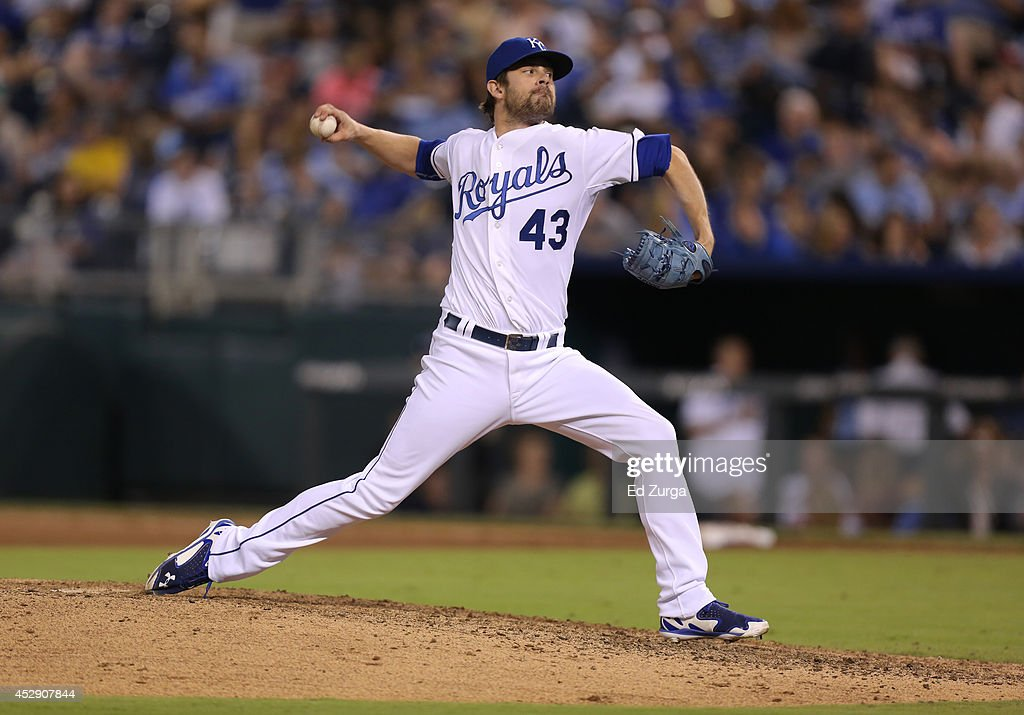 <a gi-track='captionPersonalityLinkClicked' href=/galleries/search?phrase=Aaron+Crow&family=editorial&specificpeople=6780128 ng-click='$event.stopPropagation()'>Aaron Crow</a> #43 of the Kansas City Royals throws in the eighth inning against the Minnesota Twins at Kauffman Stadium on July 29, 2014 in Kansas City, Missouri.