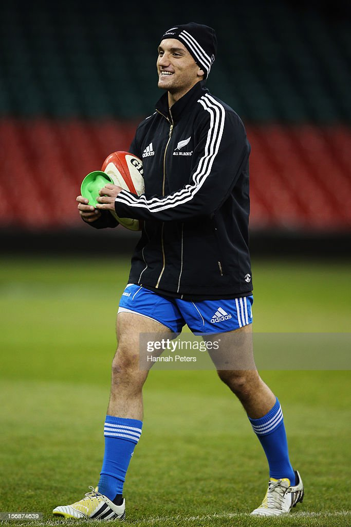 <a gi-track='captionPersonalityLinkClicked' href=/galleries/search?phrase=Aaron+Cruden&family=editorial&specificpeople=5501441 ng-click='$event.stopPropagation()'>Aaron Cruden</a> of the All Blacks practices his kicking during a captain's run at Millennium Stadium on November 23, 2012 in Cardiff, Wales.